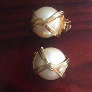 Jewelry - New Les Bernard Pearl Gold earrings clip on